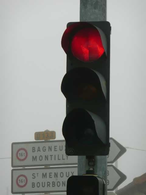 A villeneuve sur la rn7 premier feu rouge depuis paris (1)