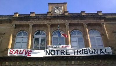 Banderole tribunal mairie moulins