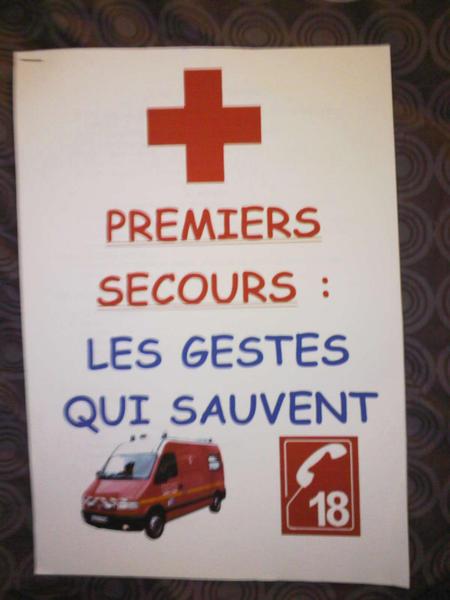 10673-premiers-secours-les-gestes-qui-sauvent-2