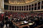 588883_l-hemicycle-de-l-assemblee-nationale-a-paris