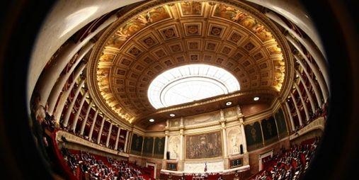 1250322_3_196d_l-hemicycle-de-l-assemblee-nationale-a-paris