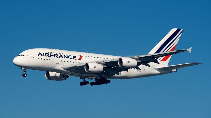 Air_France_Airbus_A380-800_F-HPJB